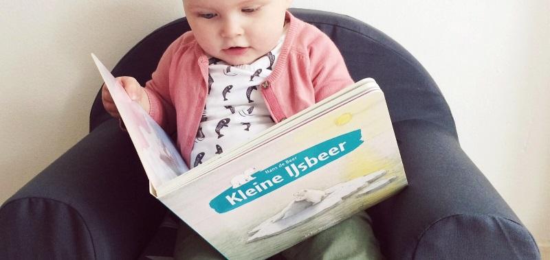 10-15-kleine-ijsbeer-review-boek-boekreview-nanny-amsterdam-moeder-baby-kinderen-karton-kartonboekje1